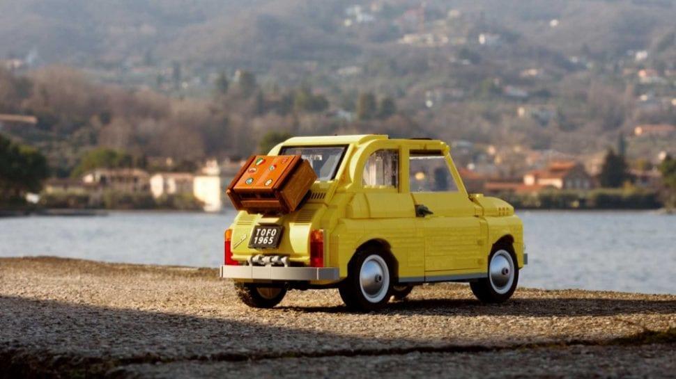 Afbeelding voor Deze FIAT 500 bestaat uit 960 steentjes